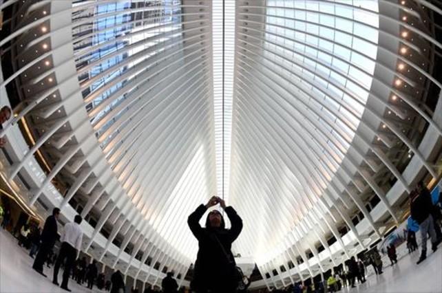 La nueva estación de Calatrava en la zona cero, el jueves, tras ser abierta parcialmente al público.