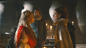 Olivia Chenery y Rebecca Scott, protagonistas de Reinas, la serie de TVE.