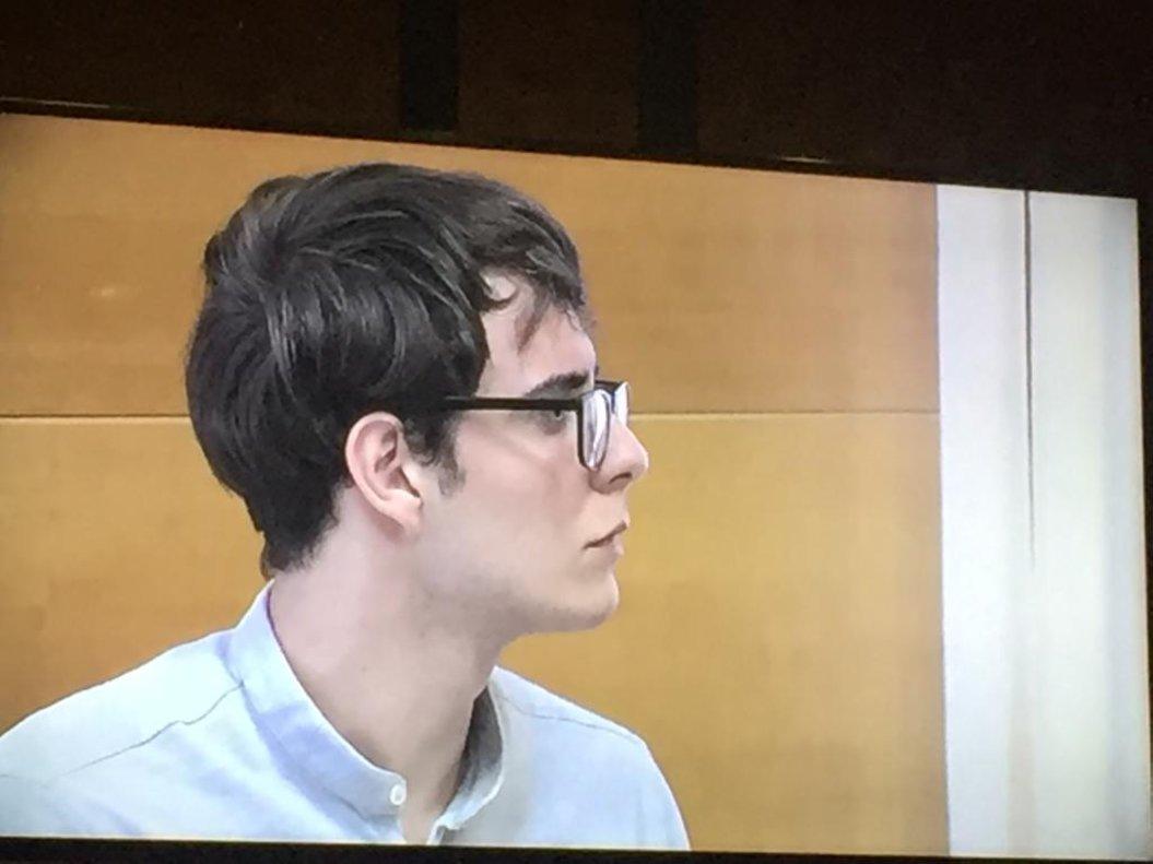 Patrick Nogueira asesinó a sus tíos y sus primos en su casa de Pioz (Guadalajara). Troceó los cuerpos de los adultos y envió selfies con los cadáveres a un amigo de Brasil.