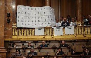 Pleno municipal sobre el proyecto de funeraria pública.