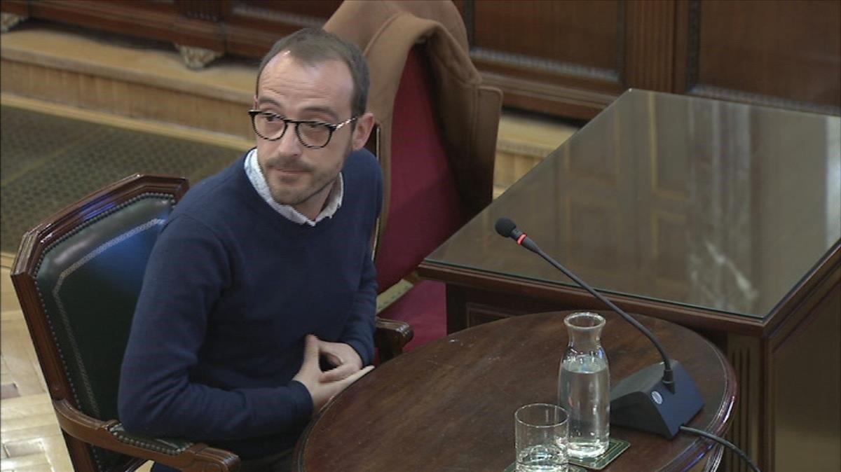 El responsable de Difusió Institucional de la Generalitat, Jaume Mestre, durante su testificación en el juicio del procés.