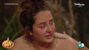 Rocío Flores llorando por no recibir un mensaje de su madre, Rocío Carrasco, en 'Supervivientes 2020'.