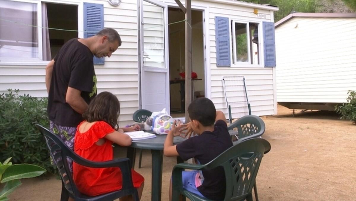 Said Temsamani y su familiaen el camping.