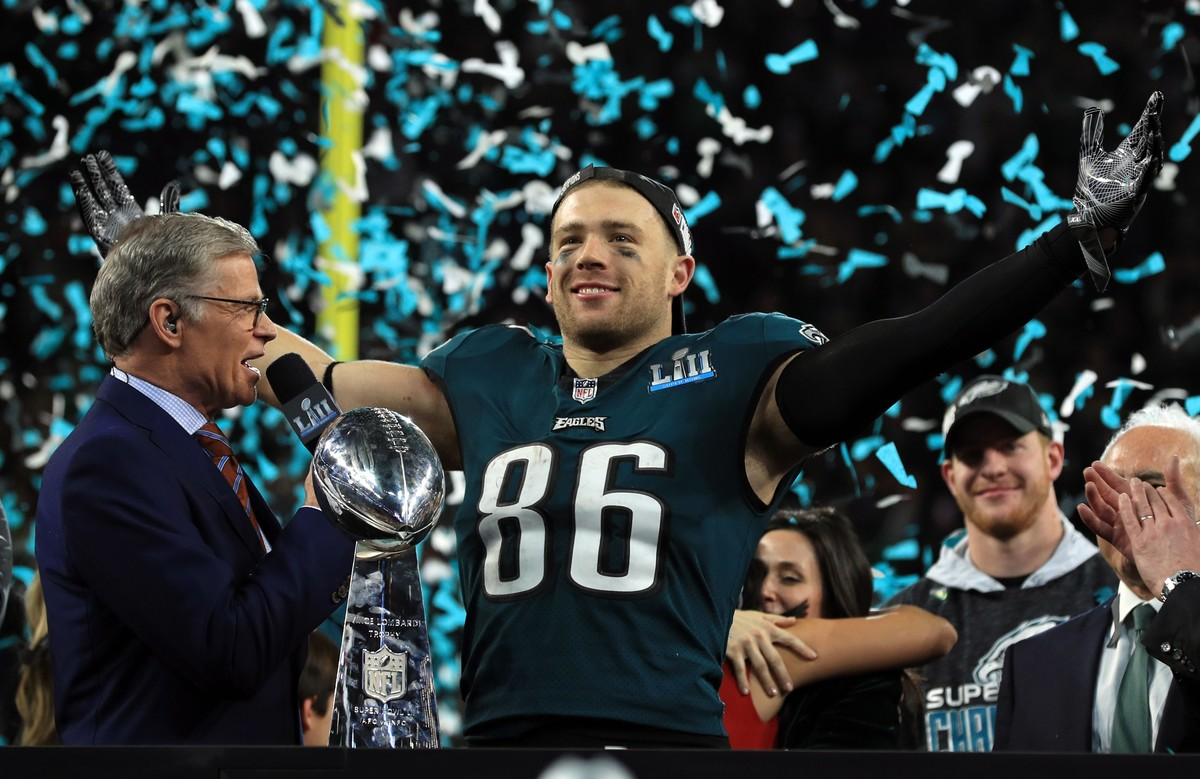 MINNEAPOLIS, MN - FEBRUARY 04: Zach Ertz #86 of the Philadelphia Eagles celebrates defeating the New England Patriots 41-33 in Super Bowl LII at U.S. Bank Stadium on February 4, 2018 in Minneapolis, Minnesota. Mike Ehrmann/Getty Images/AFP