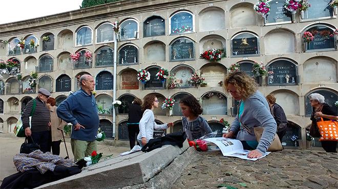 Tots Sants al cementiri de Montjuïc i el Poblenou.