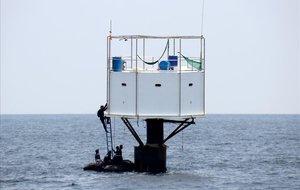Una pareja se enfrenta a la cárcel por hacer una casa en mitad del mar