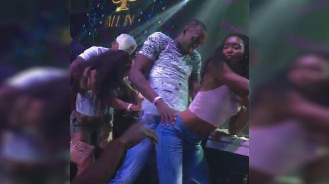 Usain Bolt es diverteix amb el ball més calent després dels seus èxits a Rio 2016.