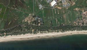 Vista aérea de la playa de La Redondela, en Huelva.