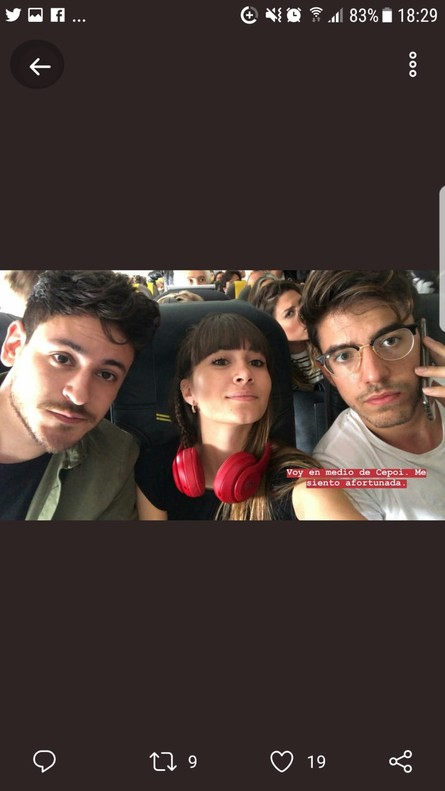 Aitana, orgullosa de Cepeda y Roi en su viaje de vuelta del concierto de 'OT 2017' en Santa Cruz de Tenerife