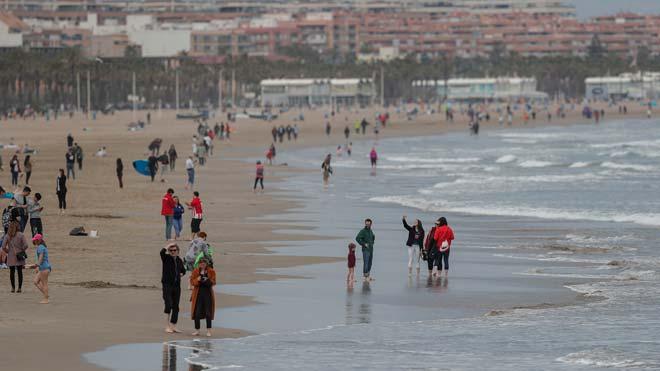 Ximo Puig contempla la posibilidad real de utilizar las playas en verano. En la imagen, la playa de la Malvarrosa, en Valencia.