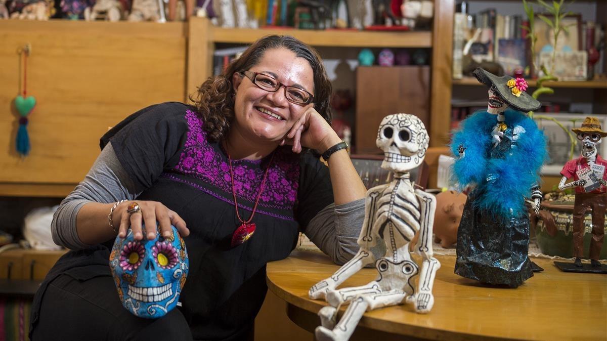 Lola Zavala: «En México la muerte se representa viva y alegre»