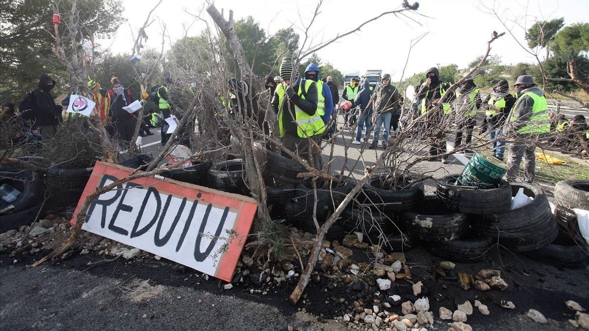La fiscalia investiga la passivitat dels Mossos davant dels CDR a les autopistes