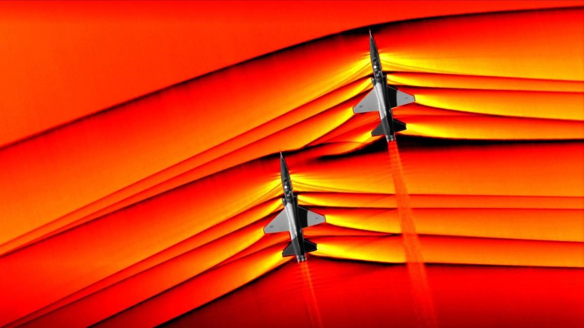 Imagen de las ondas de choque del vuelo supersónico de dos aviones T-38.