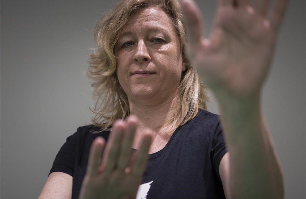 """Karin Konkle: """"Si alguien te alarma: afloja el cuerpo, respira, nota los pies"""""""