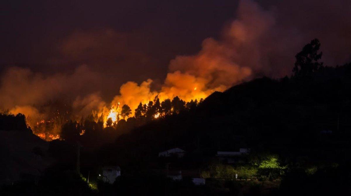 Una imagen del incendio que asuela Gran Canaria.