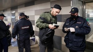 Tres sanitaris russos es tiren misteriosament per la finestra en pocs dies