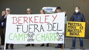 Protesta contra la instalación de la mina de Berkeley.
