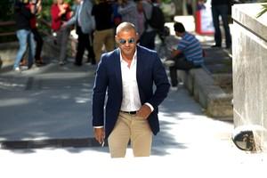 Miguel Ángel Flores, saliendo de la audiencia