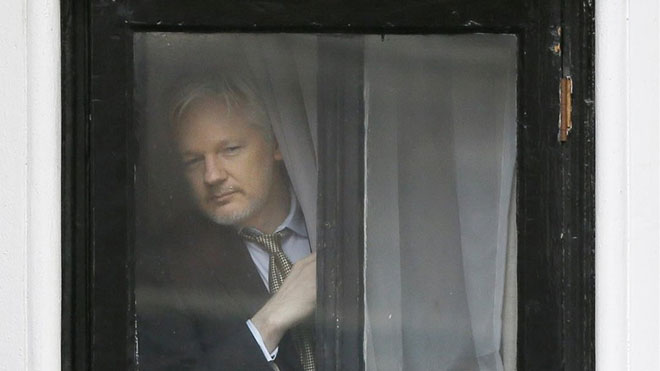 Rússia va recórrer a Assange per publicar material comprometedor sobre Clinton