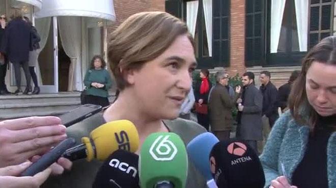 Ada Colau aclara su tuit sobre el bebé de la diputada Carolina Bescansa