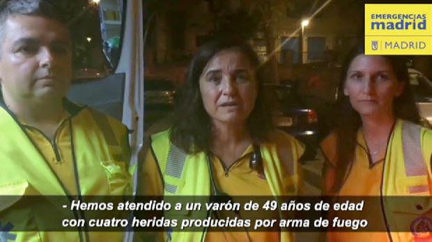 Emergencias de Madrid atiendeal varón de 49 años asesinadoa tiros en el distrito de Usera, Madrid.