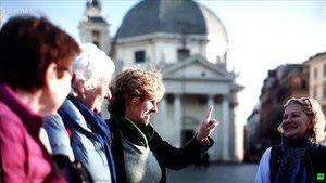 Mercedes Milá con sus amigas, en Roma.