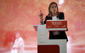 Carme Chacón, en un mmitin pidiendo el voto para el PSOE en las elecciones al Parlamento Europeo.