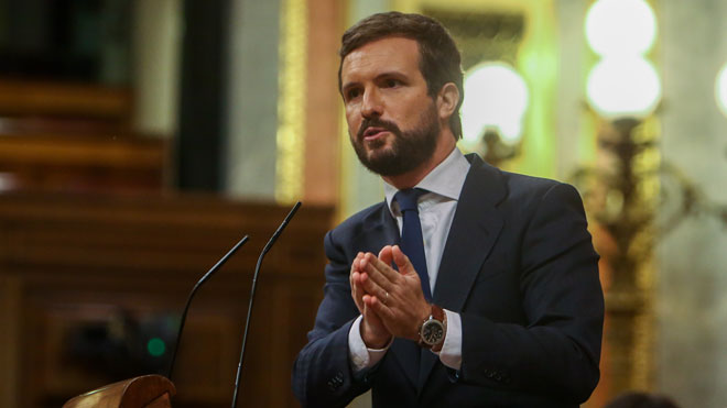 Casado opta por la abstención crítica para no avalar un atropello legal..