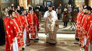 Celebración litúrgica ortodoxa celebrada en la Catedral ortodoxa de Sarajevo, el 7 de enero.