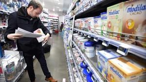 Lactalis agreuja l'escàndol sanitari a França al mantenir a la venda llet infantil contaminada amb salmonel·la