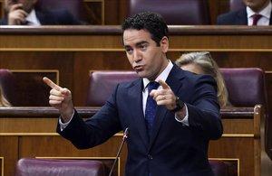 Sesión de Control al Gobierno esta mañana en el Congreso de los Diputados ,en la imagen Teodoro Garcia Egea diputado del PP.