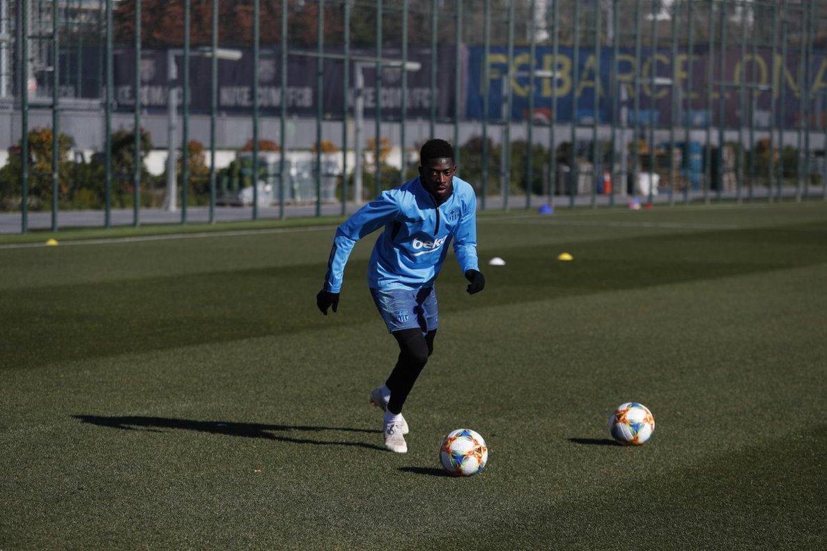 Dembélé viatja a Manchester sense l'alta mèdica