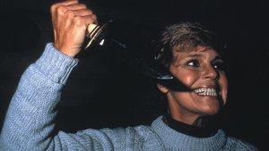La demente Pamela Voorhees, en un fotograma de 'Viernes 13'