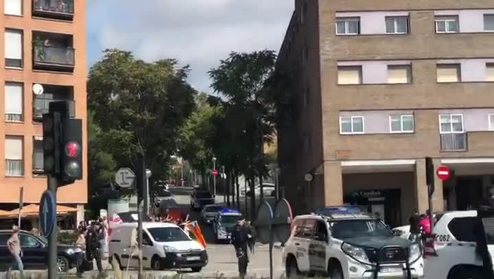 La Guardia Civil se lleva a dos detenidos en la Operación Judas contra una rama violenta de los CDR, en Sabadell, el pasado 23 de septiembre.