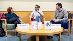 El director Javier Ruiz Caldera junto a Encarna García y Jaume Vilarrubí en Viladecans