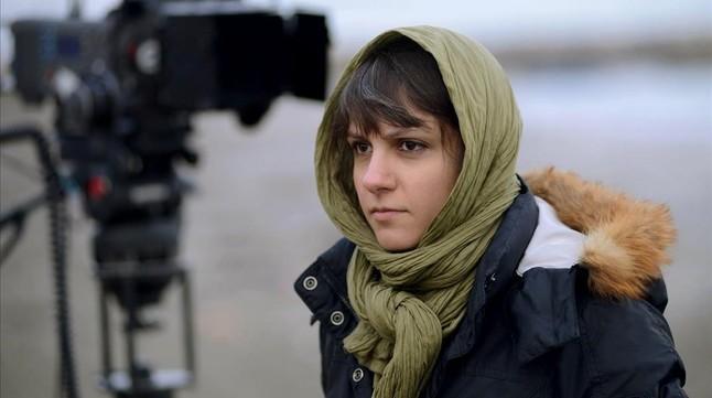 La directora iraní Ida Panahandeh, durante el rodaje de su pleícula Nahid.