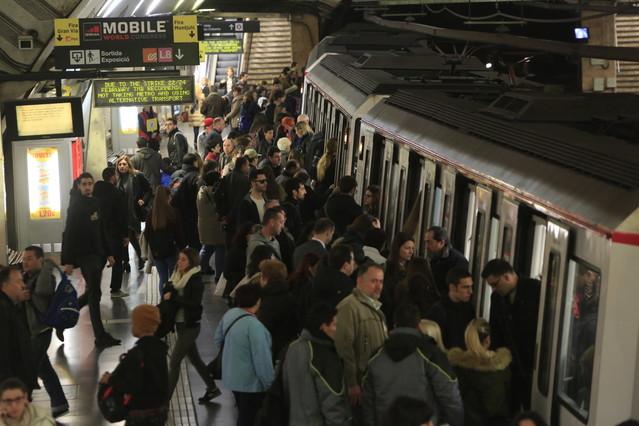 Estación de metro de la L1 en plaza de Espanya.