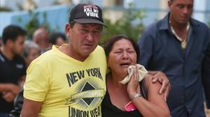 Familiares de las víctimas del accidente de avión en Cuba.