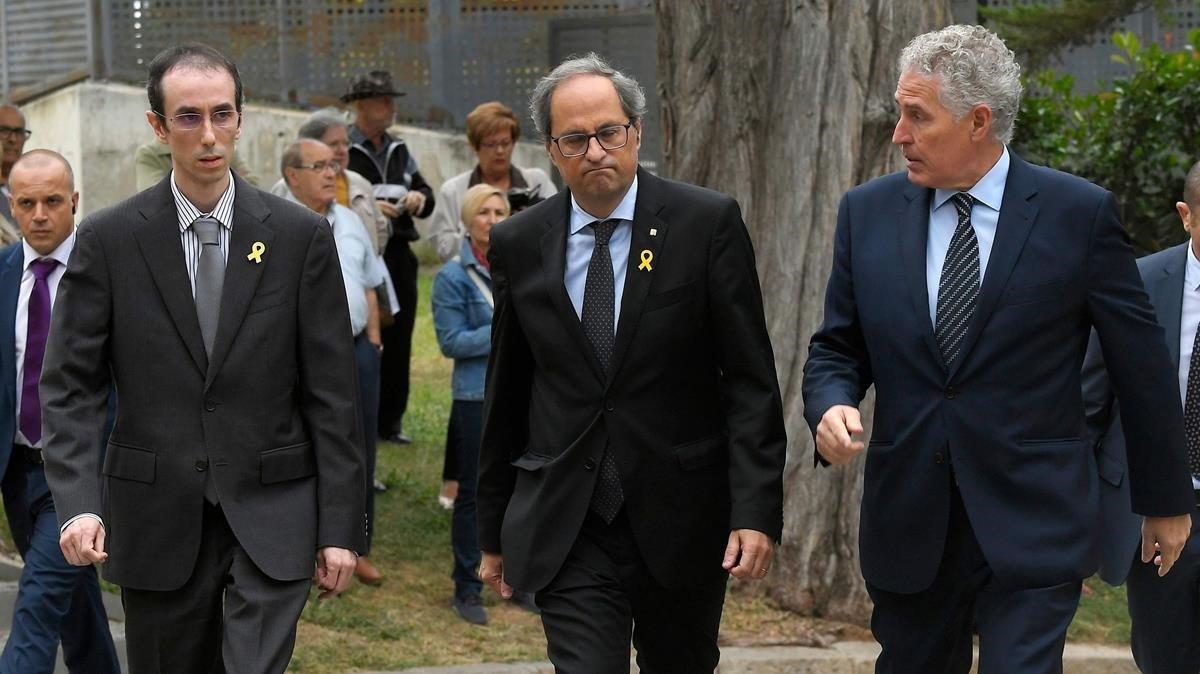 El presidentde la Generalitat, QuimTorra, llegando al tanatorio.