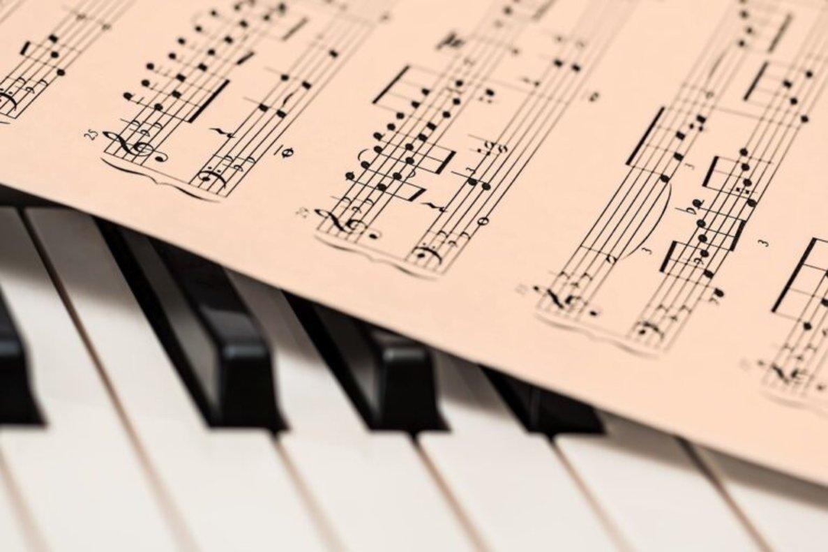 La guerra y los bebés originaron la música