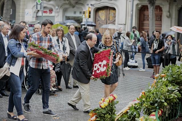 Iceta, en la ofrenda al monumento a Rafael Casanova.