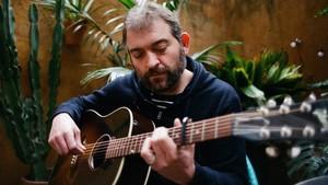 Jordi Lanuza inaugura el cicle de concerts Altaveu als Barris de Sant Boi
