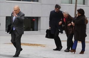 Jordi Pujol y su esposa, a su llegada a la Audiencia Nacional para declarar, en febrero de este año.
