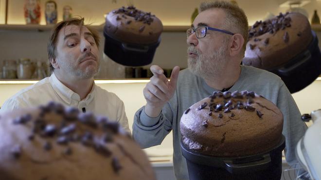 Jordi Roca nos muestra la sensualidad de un suflé de chocolate.