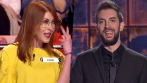 Julia, concursante de 'Ahora Caigo', y David Broncano.