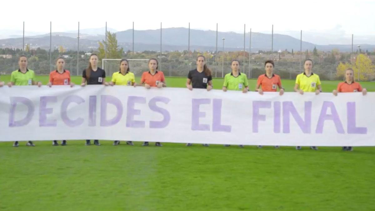 Las árbitras españolas piden que se acabe la violencia de género.