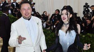 Elon Musk y su pareja Grimes, en el 2018.