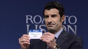 Luis Figo, durante el sorteo de la Champions League