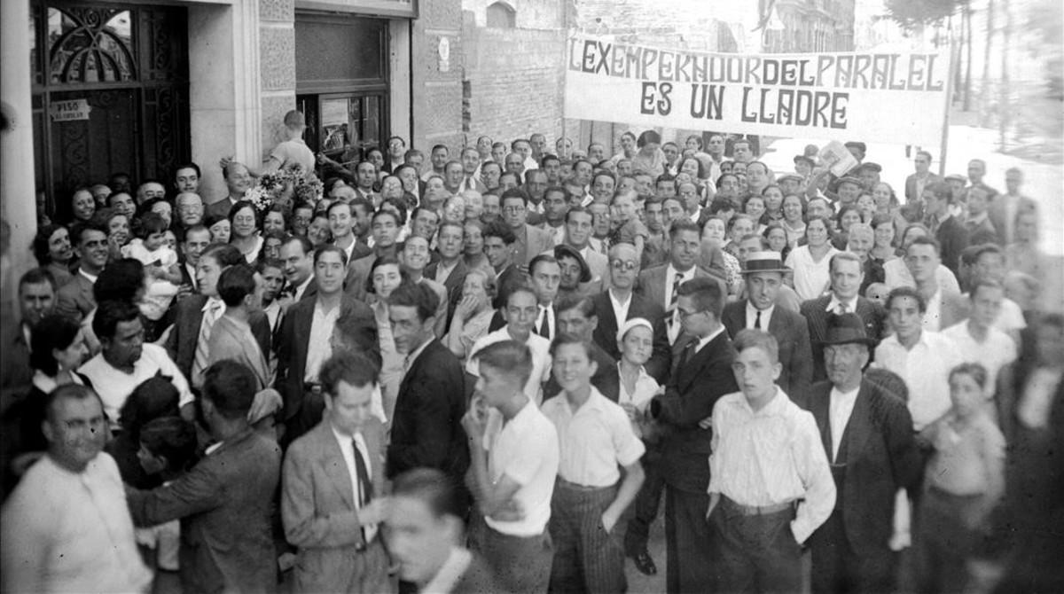 Manifestación contra Alejandro Lerroux. Negativo conservado en el fondo Puig Farran.
