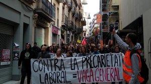 Manifestación en Terrassa durante la huelga general del 18-O.